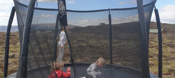 Trampólíndagurinn mikli – nú má sumarið koma að krafti